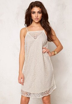 VERO MODA Fifi Nice Lace S Dress Moonbeam Bubbleroom.eu