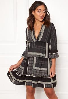 VERO MODA Quinn 3/4 Short Dress Black AOP Quinn Bubbleroom.eu