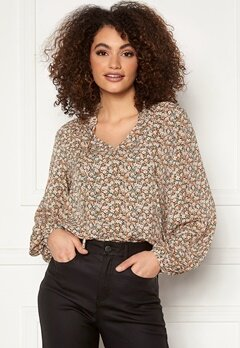 VILA Minnie L/S Top Birch AOp Flower Bubbleroom.eu