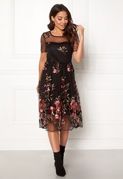 VILA Perno S/S Embroidery Dres Black Bubbleroom.eu