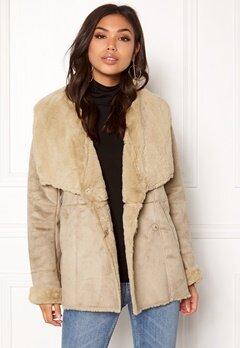 VILA Vipony Sherling Jacket Soft Camel Bubbleroom.eu