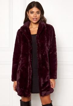 VILA Softa Faux Fur Coat Winetasting Bubbleroom.eu