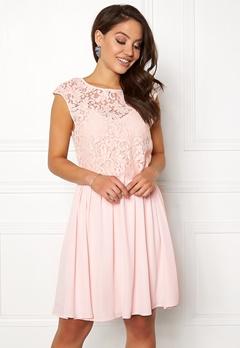 VILA Ulvica S/L Dress Peach Blush Bubbleroom.eu