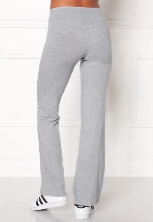 utsvängda byxor grå