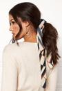 Siri scarf