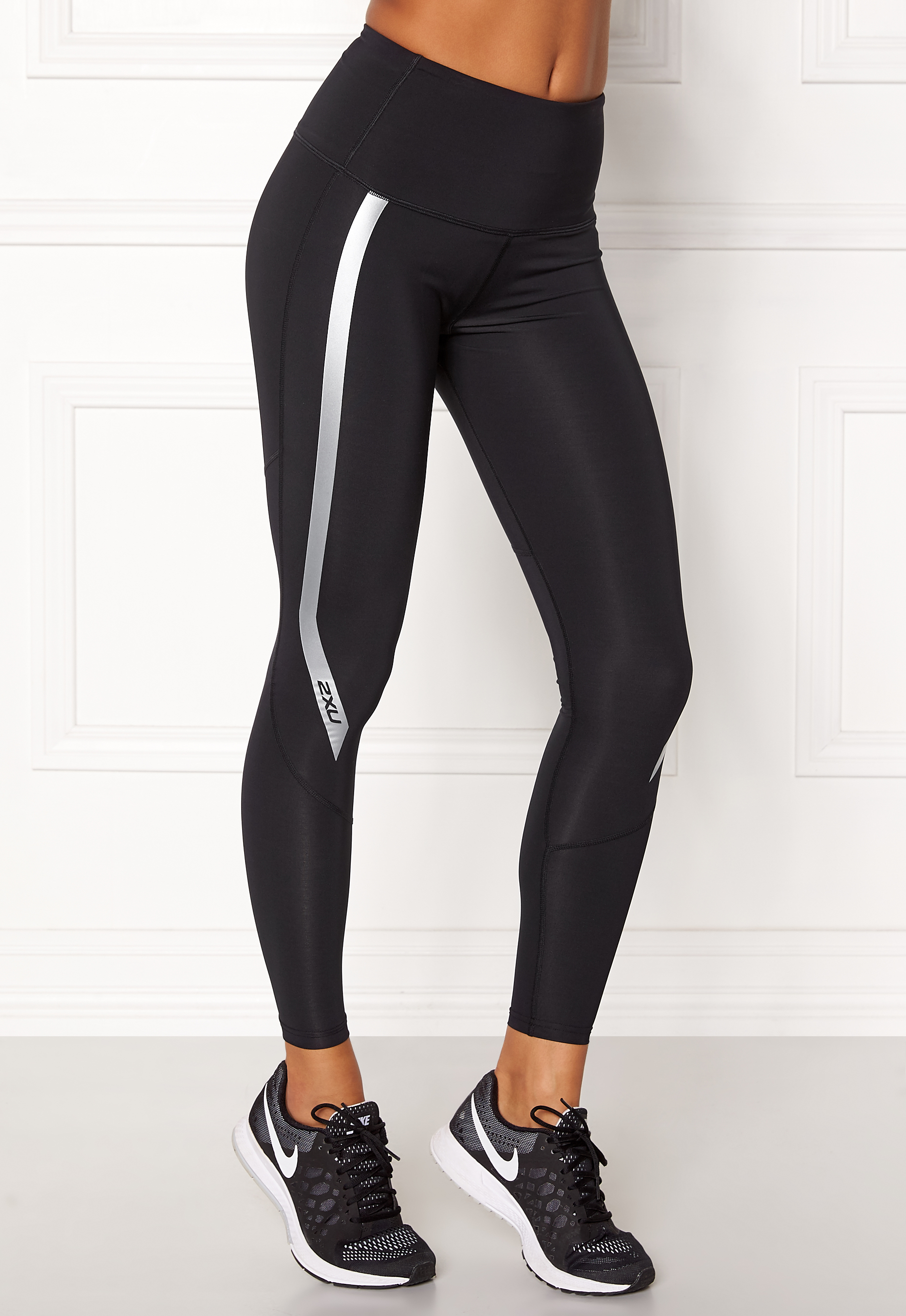 c0e30803 2XU Hi-Rise Compression Tight Black/silver - Bubbleroom