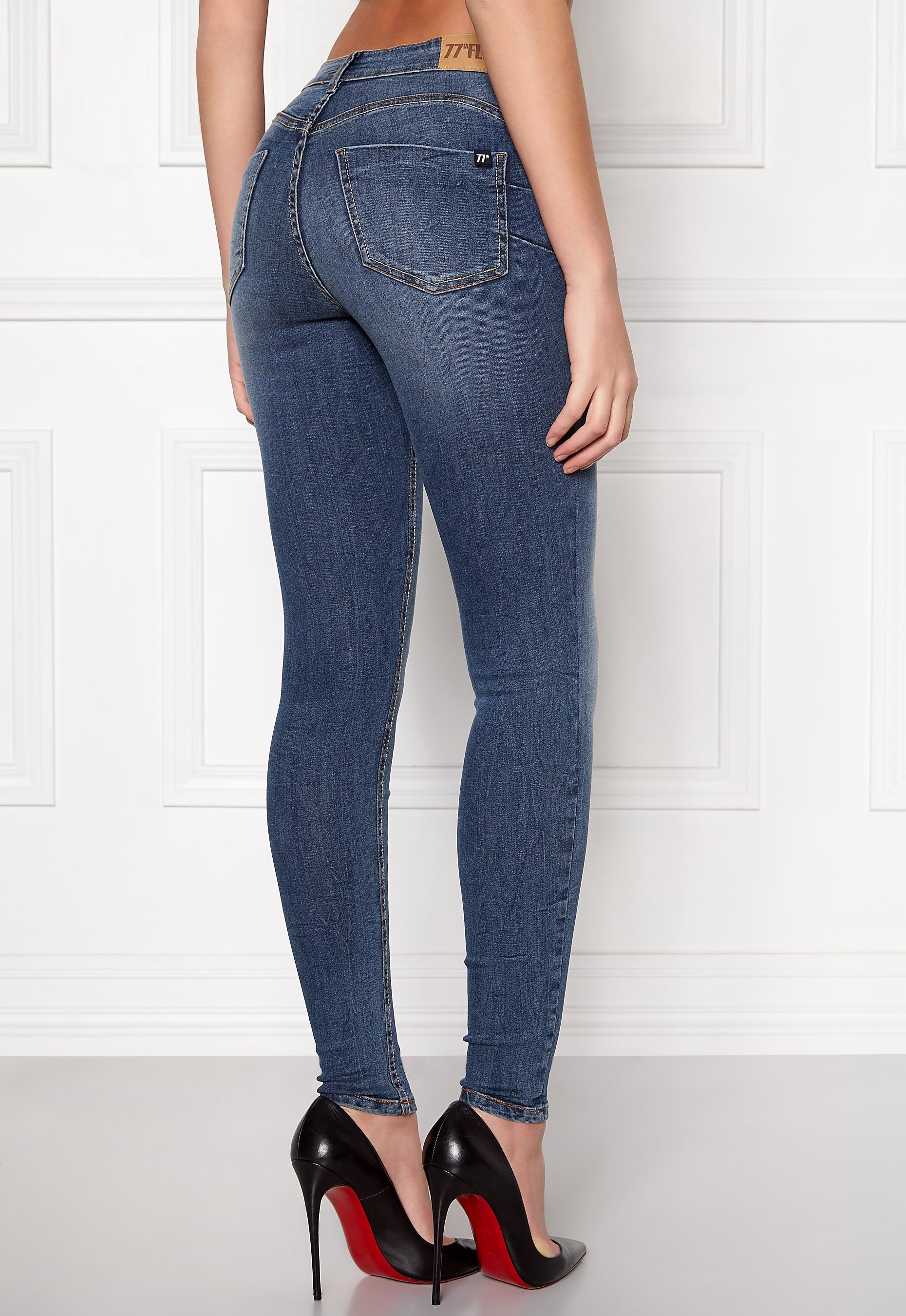 86313650 77thFLEA Miranda Push-up jeans Medium blue - Bubbleroom