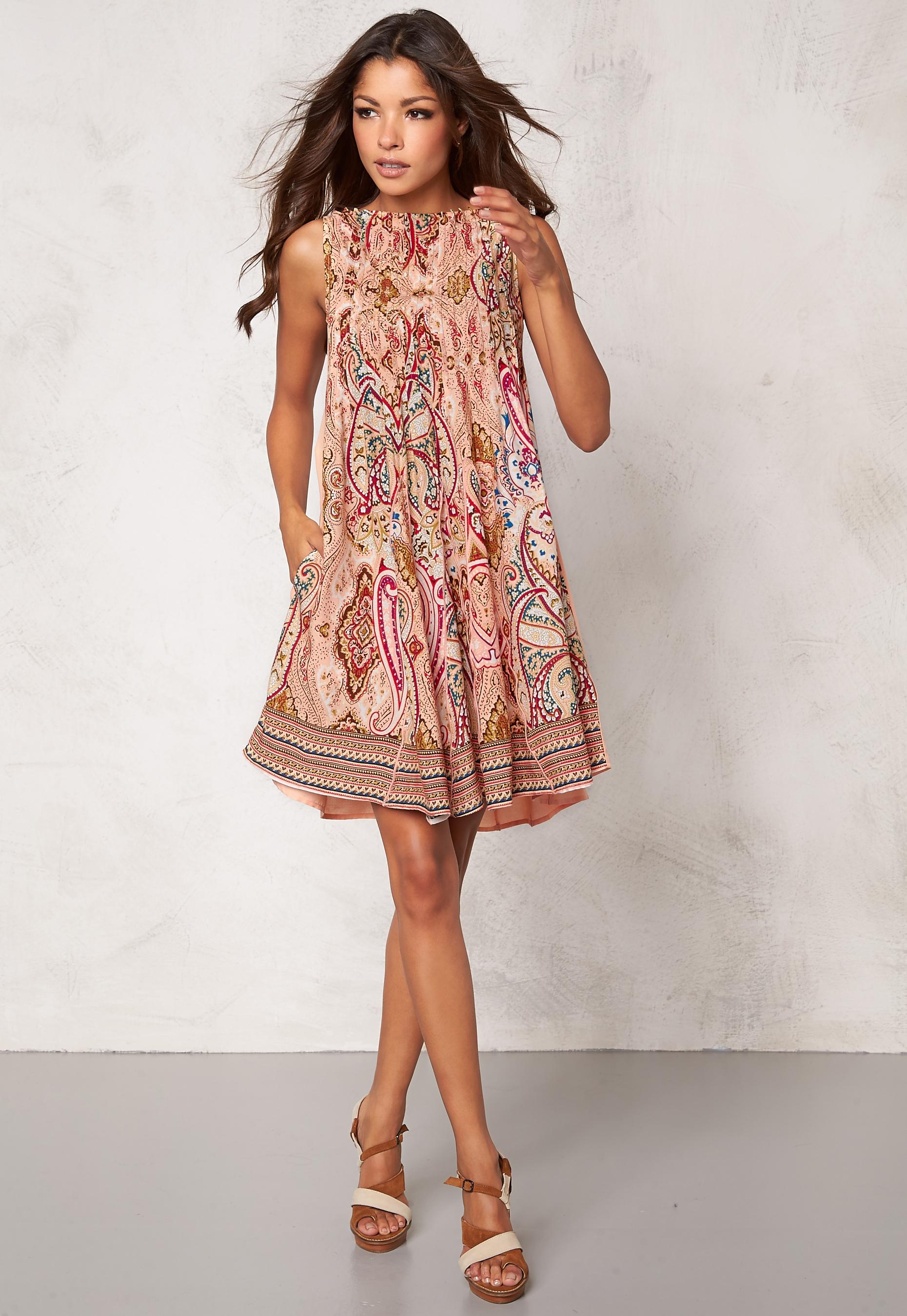 3b91c7e96bd4 Chiara Forthi Giulia Pintuck Dress Patterned / Light powder pink ...