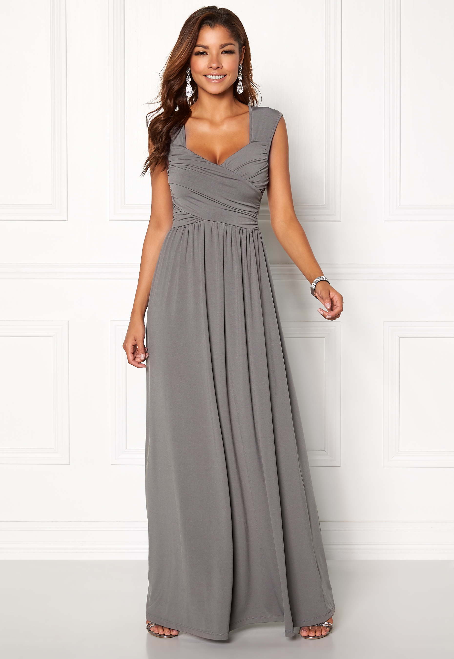 Chiara Forthi Kirily Maxi Dress Dark grey - Bubbleroom 9bd37c76bc