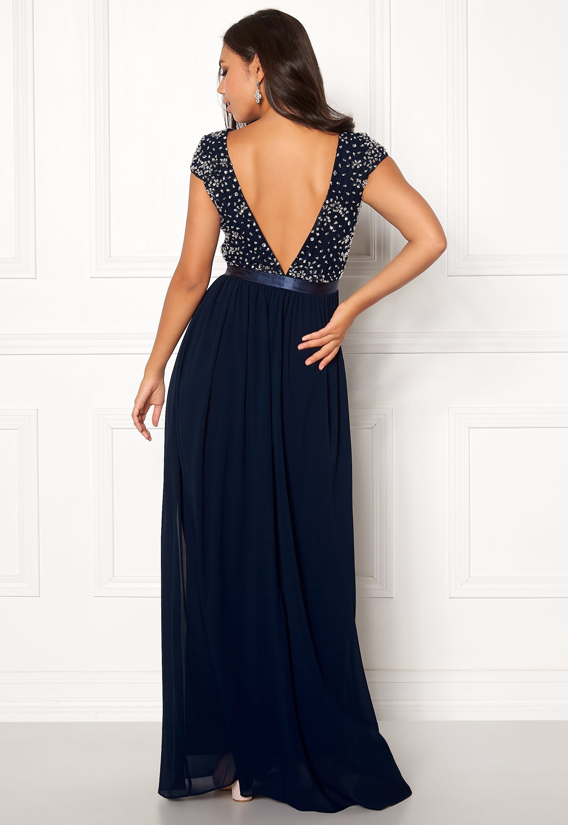 30693a962dfd Chiara Forthi Viviere Sparkling Gown Midnight blue - Bubbleroom