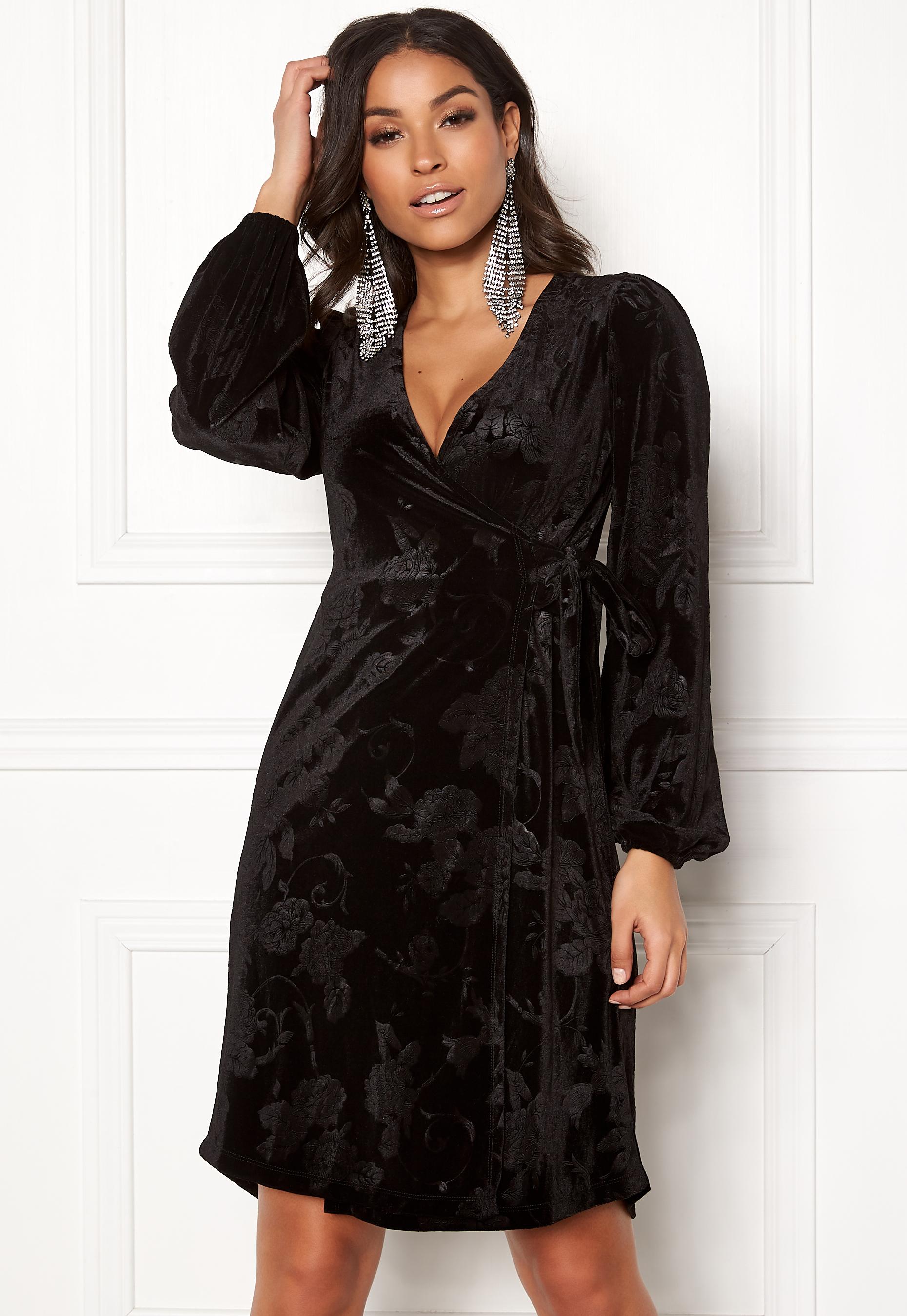 Happy Holly Abrianna velour dress Black - Bubbleroom 4000e177fd59a