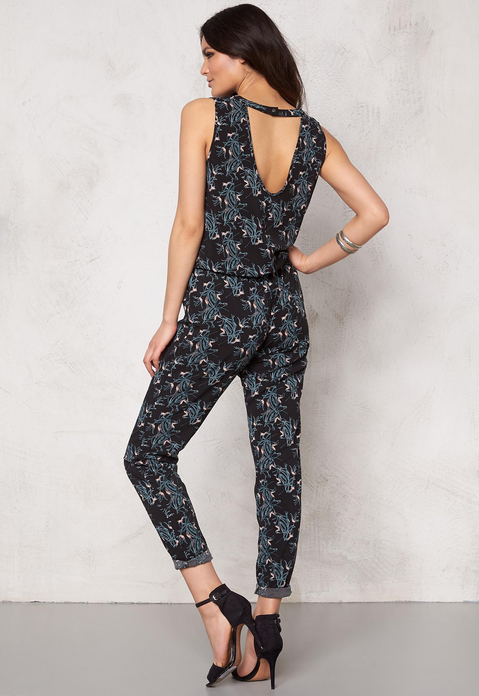 4f1864578d4 Jacqueline de Yong Beat It Jumpsuit Black Flower - Bubbleroom