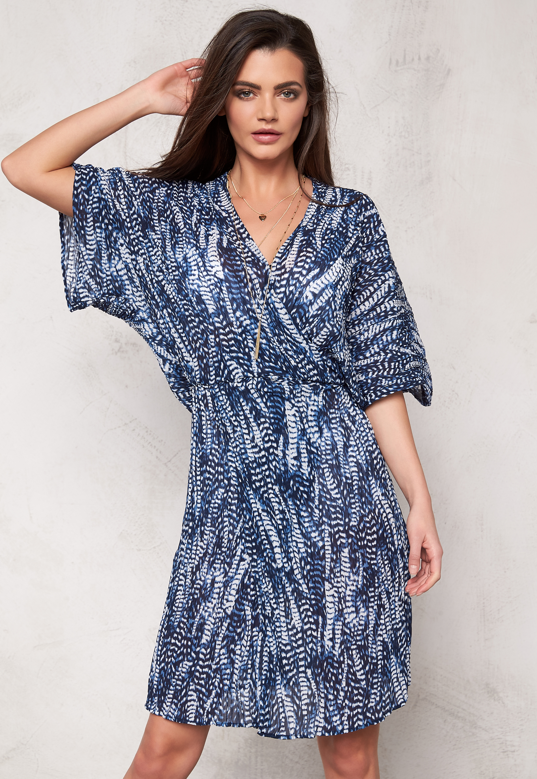 e17e917b81a Make Way Suki Dress Dark blue   White   Patterned - Bubbleroom