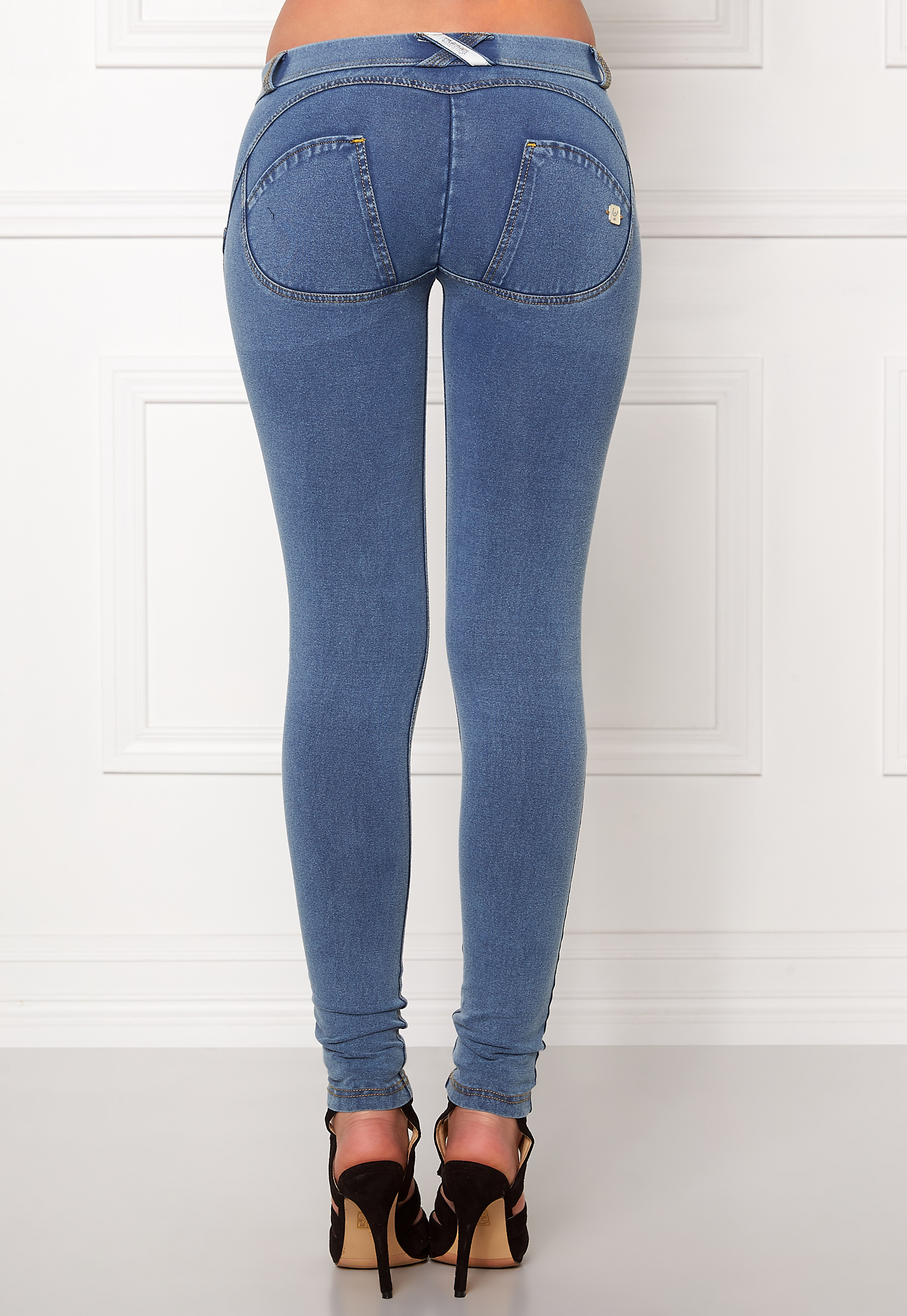 99bc405fb0252 FREDDY Skinny Shaping lw Jegging J4Y Denim - Bubbleroom
