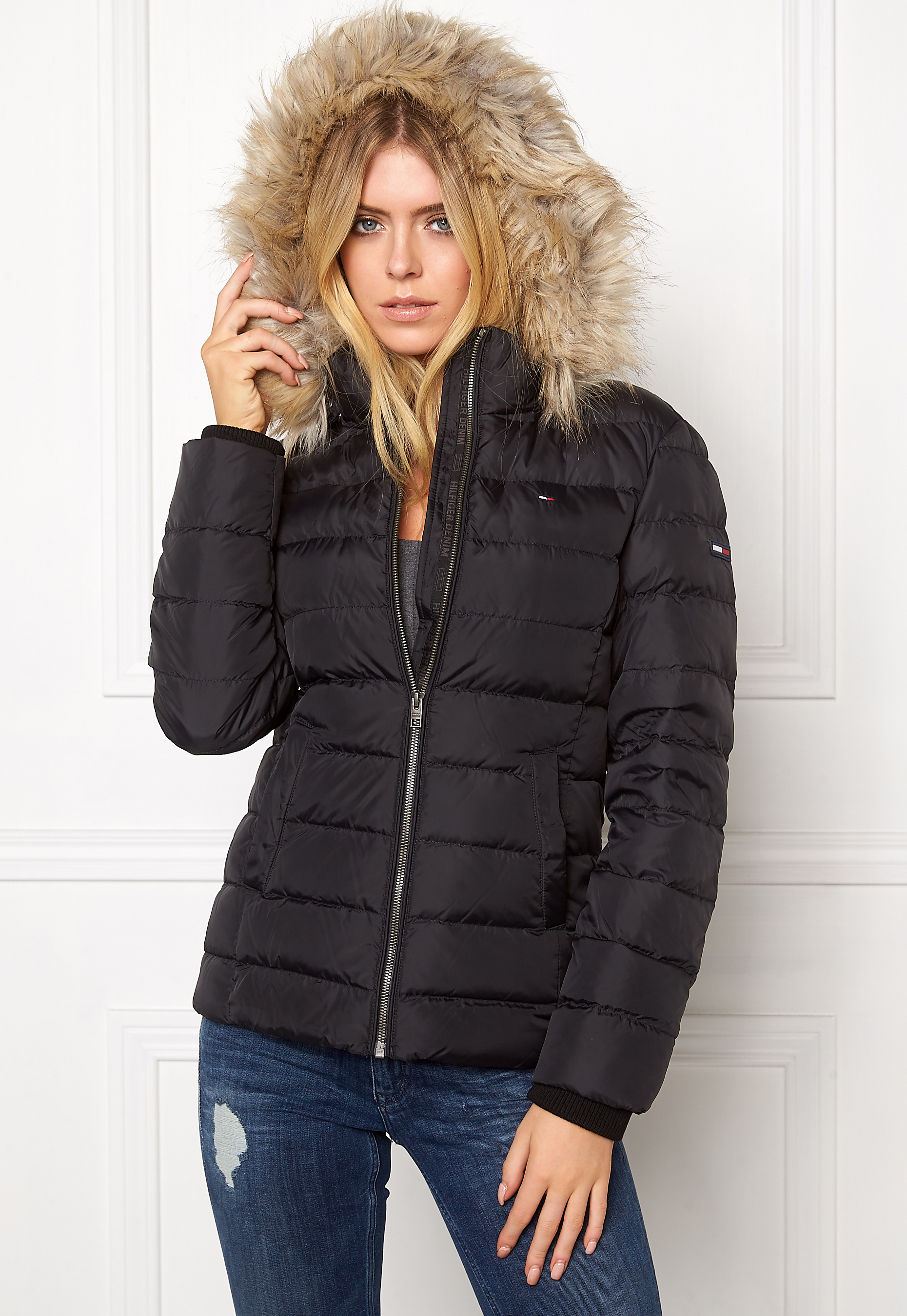 cf807aa4 TOMMY JEANS Basic Down Jacket 078 Tommy Black - Bubbleroom