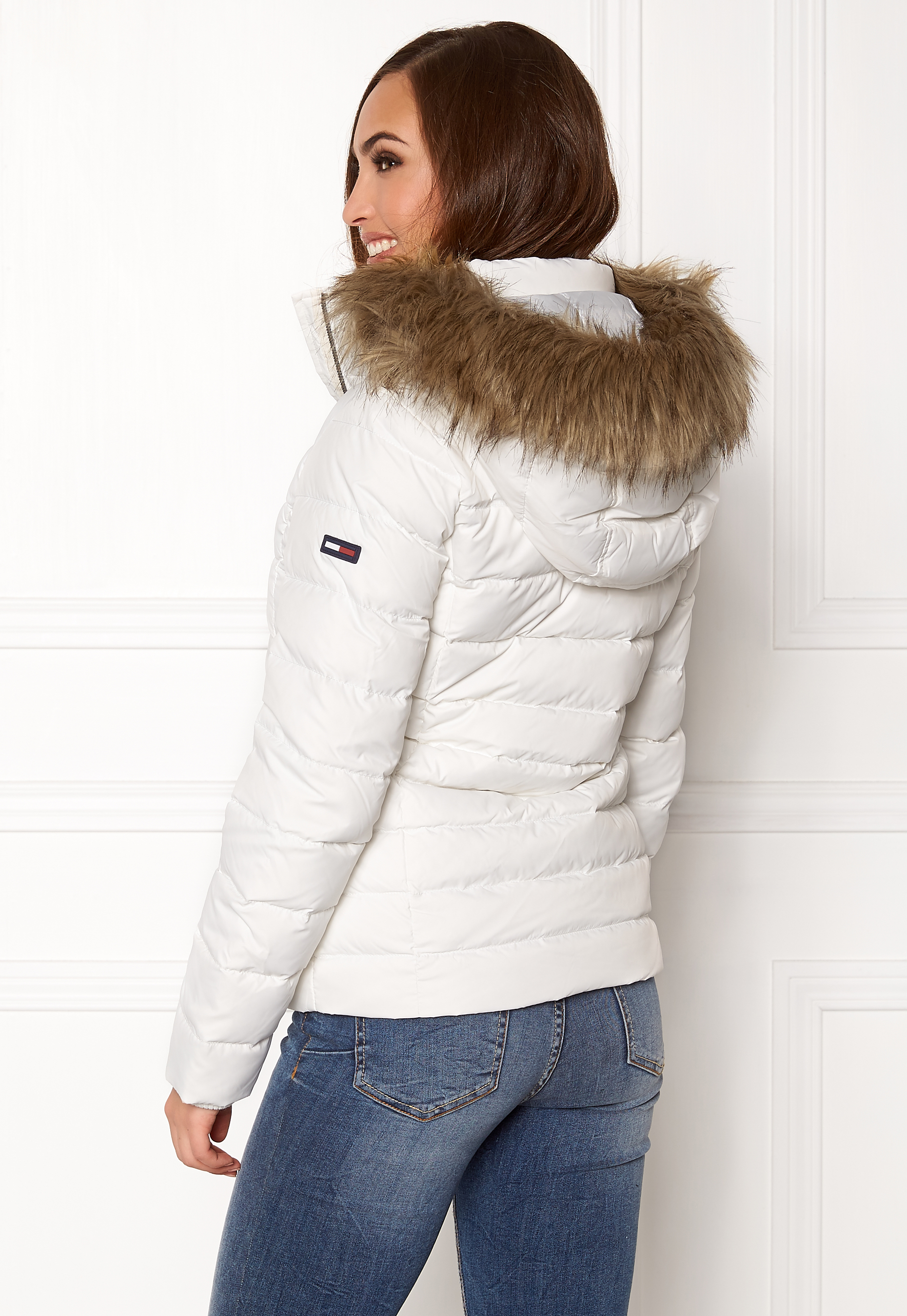 TOMMY JEANS Basic Down Jacket Snow White Bubbleroom