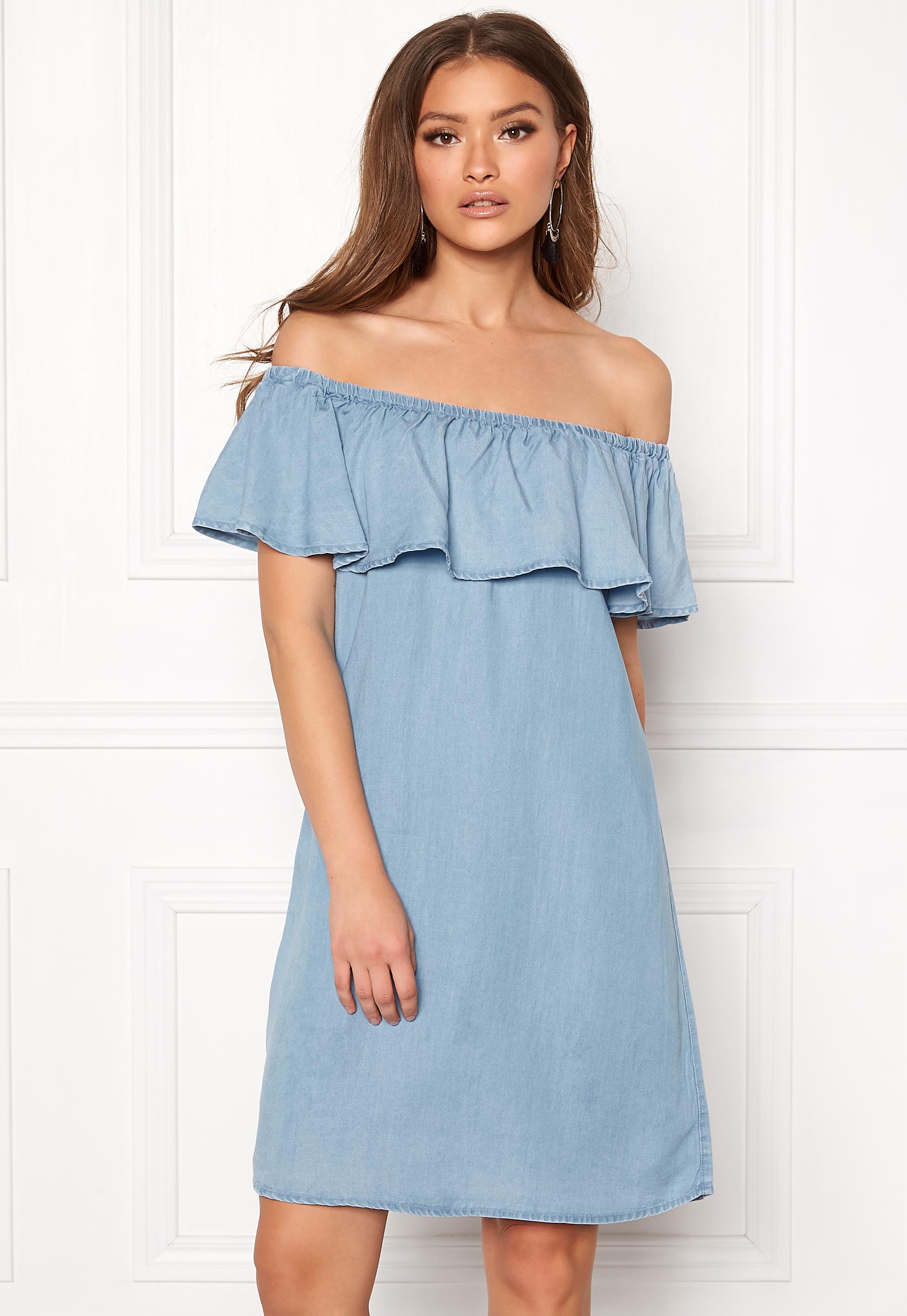 48f0858e9474 VILA Gia Off Shoulder Dress Light Blue Denim - Bubbleroom