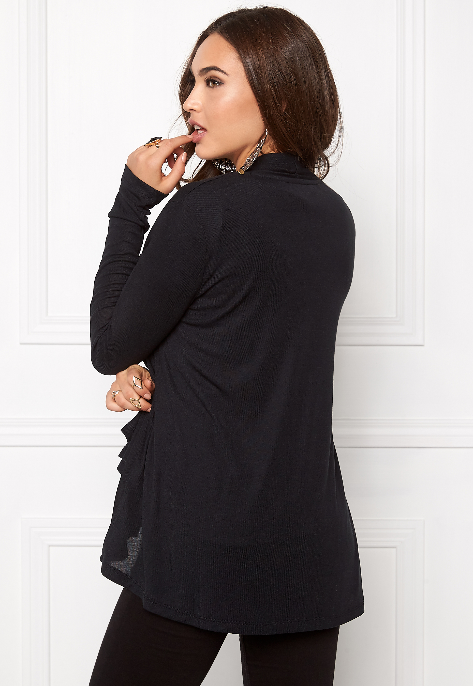 vila black single women Nellycom: vicama new wool coat - noos - vila - women - black new clothes, make - up and accessories every day over 800 brands unlimited variety.